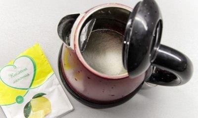 Как с помощью лимонной кислоты удалить накипь в чайнике?