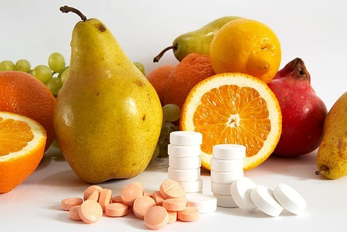 Витамины при ОРВИ и гриппе: взрослым и детям, список