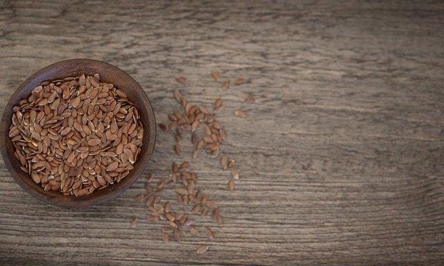 Льняное масло, полезные свойства и противопоказания