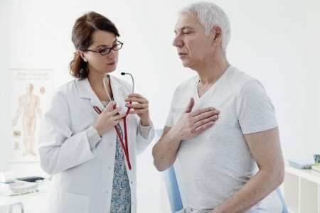 Болят соски — почему, к какому врачу обращаться