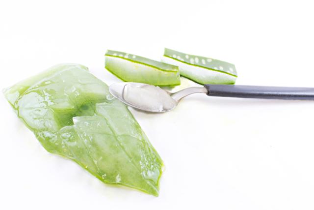 Алоэ для лица в домашних условиях: рецепты, способы применения, отзывы