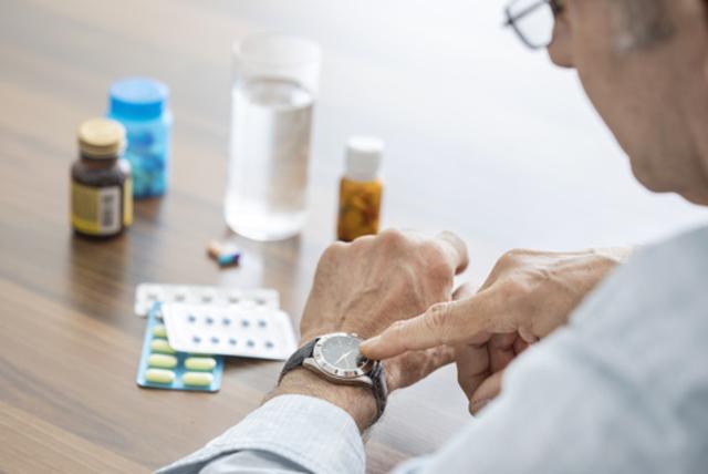 Симптомы панкреатита у женщины: признаки, где болит, как лечить